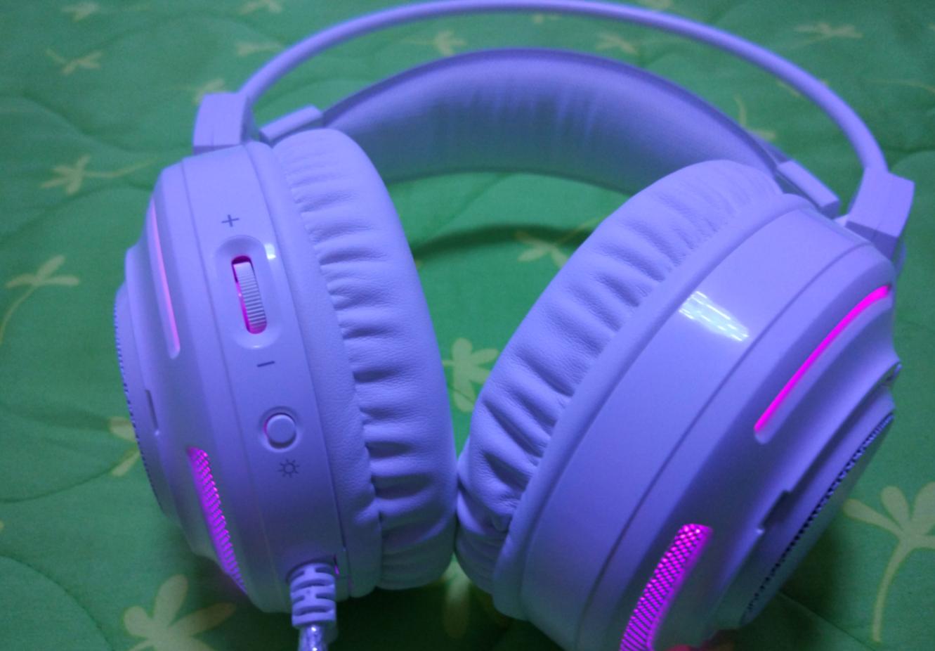 会变色的耳机
