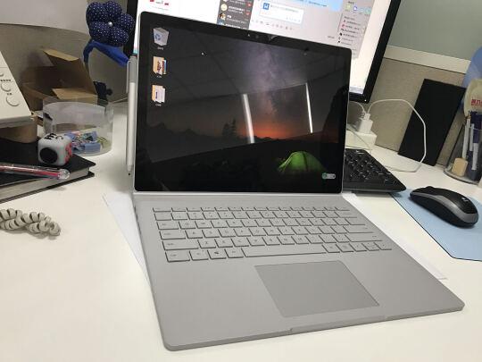 电脑真不错,性能强劲,外观漂亮