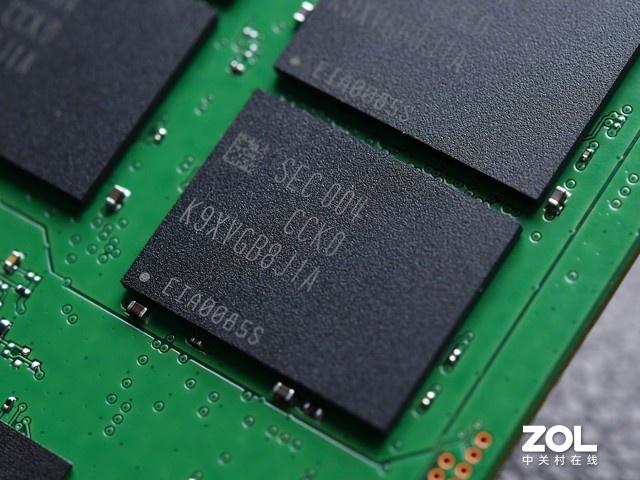 装机不求人:10倍性能 1/10尺寸 99%的人买固态硬盘就是因为它
