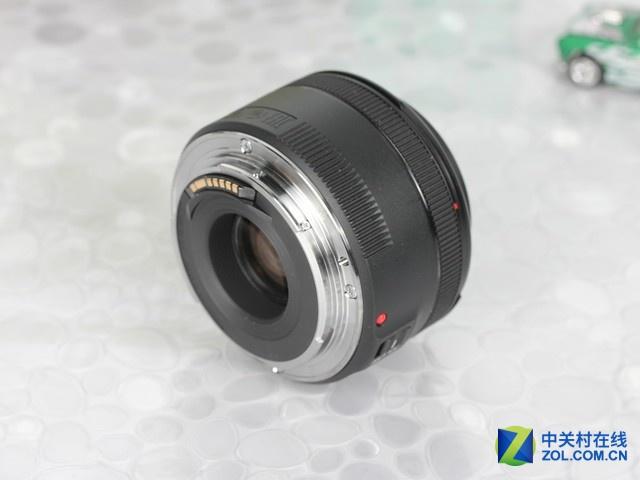 你的第一枚大光圈 佳能50mm F1.8镜头