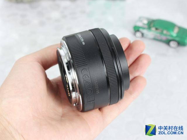 大光圈定焦镜头佳能50mm F1.8仅799元