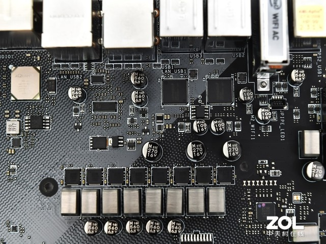 做最靓的设计师 微星X570创世板评测