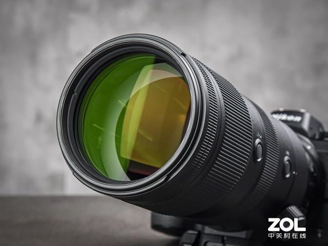 大三元的长焦 尼康Z 70-200mm F2.8镜头