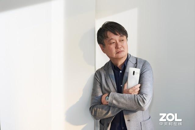 realme X白蒜版正式开售 深泽直人联合设计