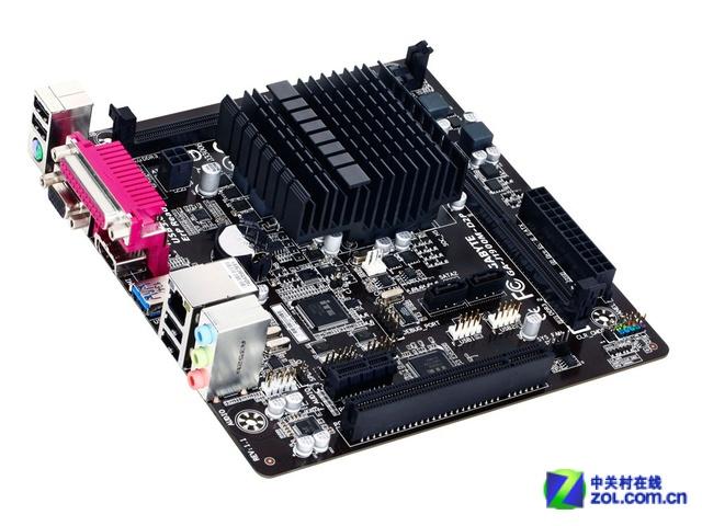 整合四核CPU 家庭办公选技嘉J1900M-D2P