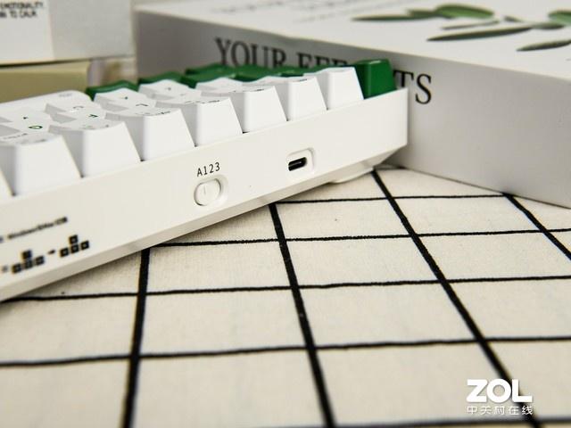 达尔优EK861机械键盘评测 蓝牙双模可爱配色