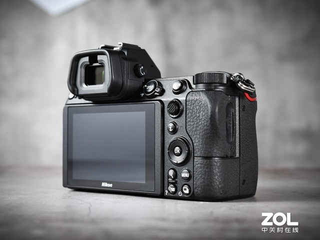 4575万像素高画质尼康Z7全画幅微单相机