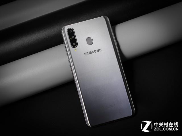 三星Galaxy A8s今日开卖:2699元起价