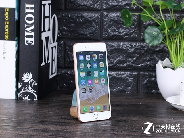 苹果8P价格冰点 天猫年货节抢券立减800
