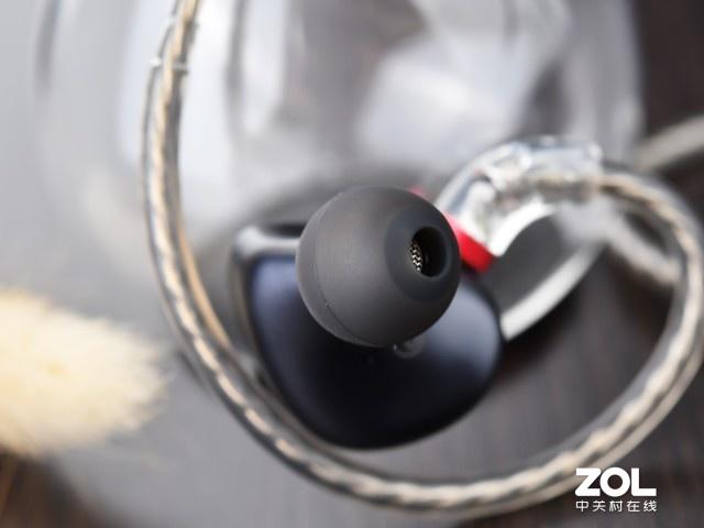 三频均衡人声惊喜满满 飞傲FH3圈铁耳机评测