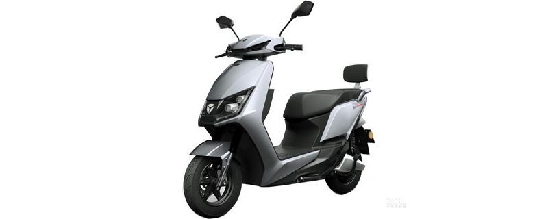 想求一辆好骑的电动轻便摩托车。最近网上很火的雅迪冠能系列怎么样?